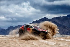 stephane-peterhansel-dakar-rally-2016-peugeot