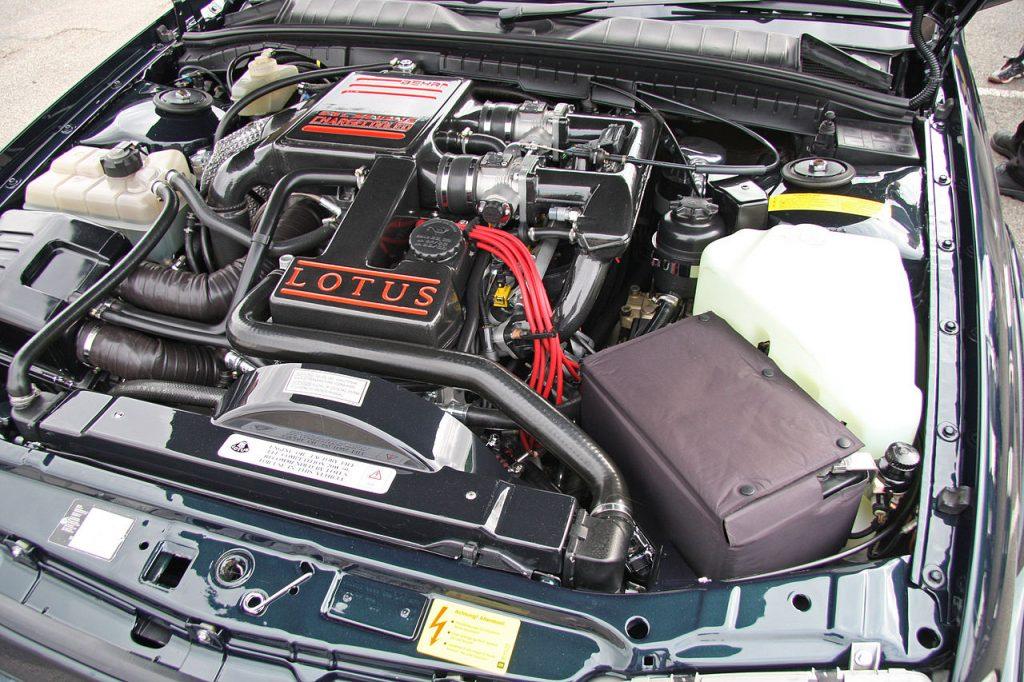 Lotus Carlton engine bay