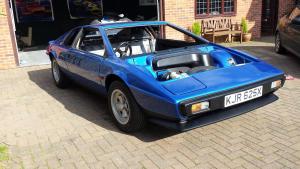 Lotus Esprit front